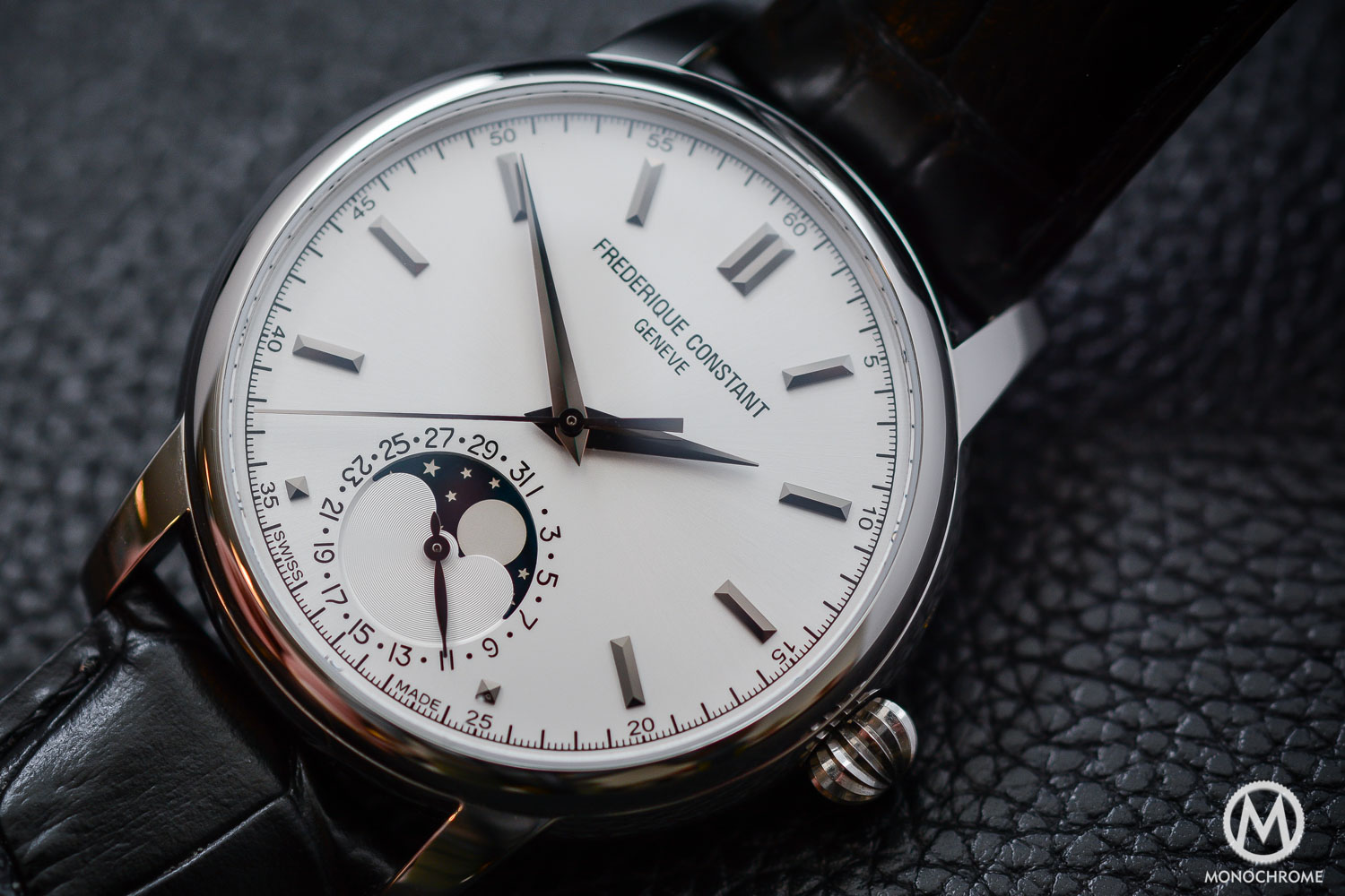 Hands-on review – Frederique Constant Manufacture Classics Moonphase, a qualitative but affordable dress watch (live photos & price)