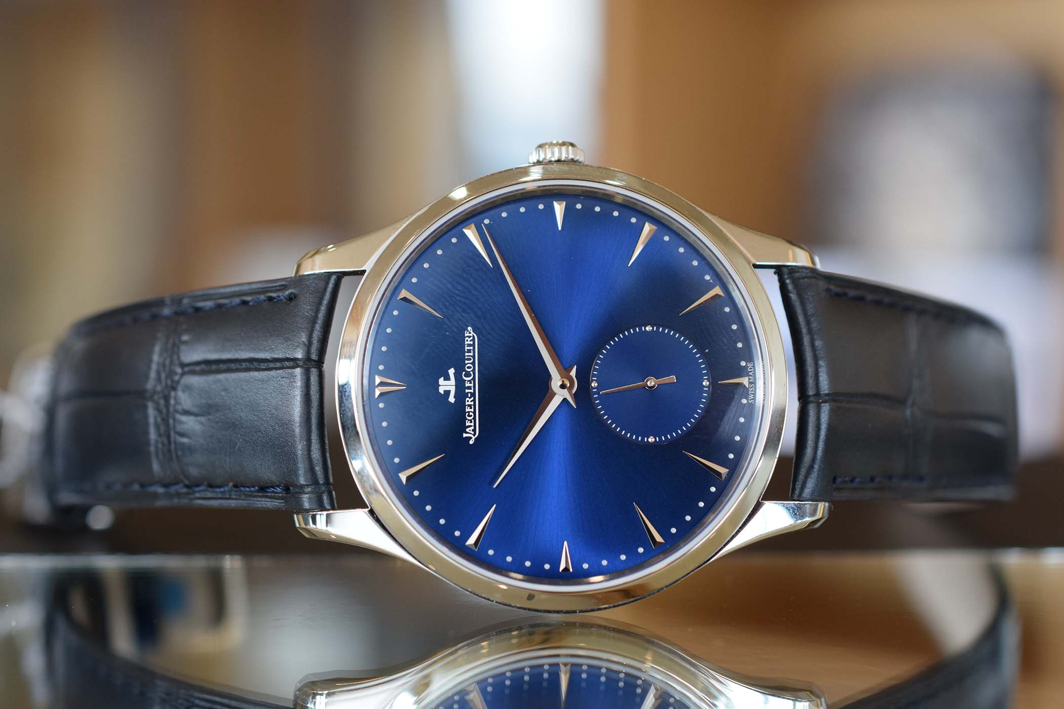 thin dress watch automatic sihh hands on with the jaeger lecoultre master ultra thin